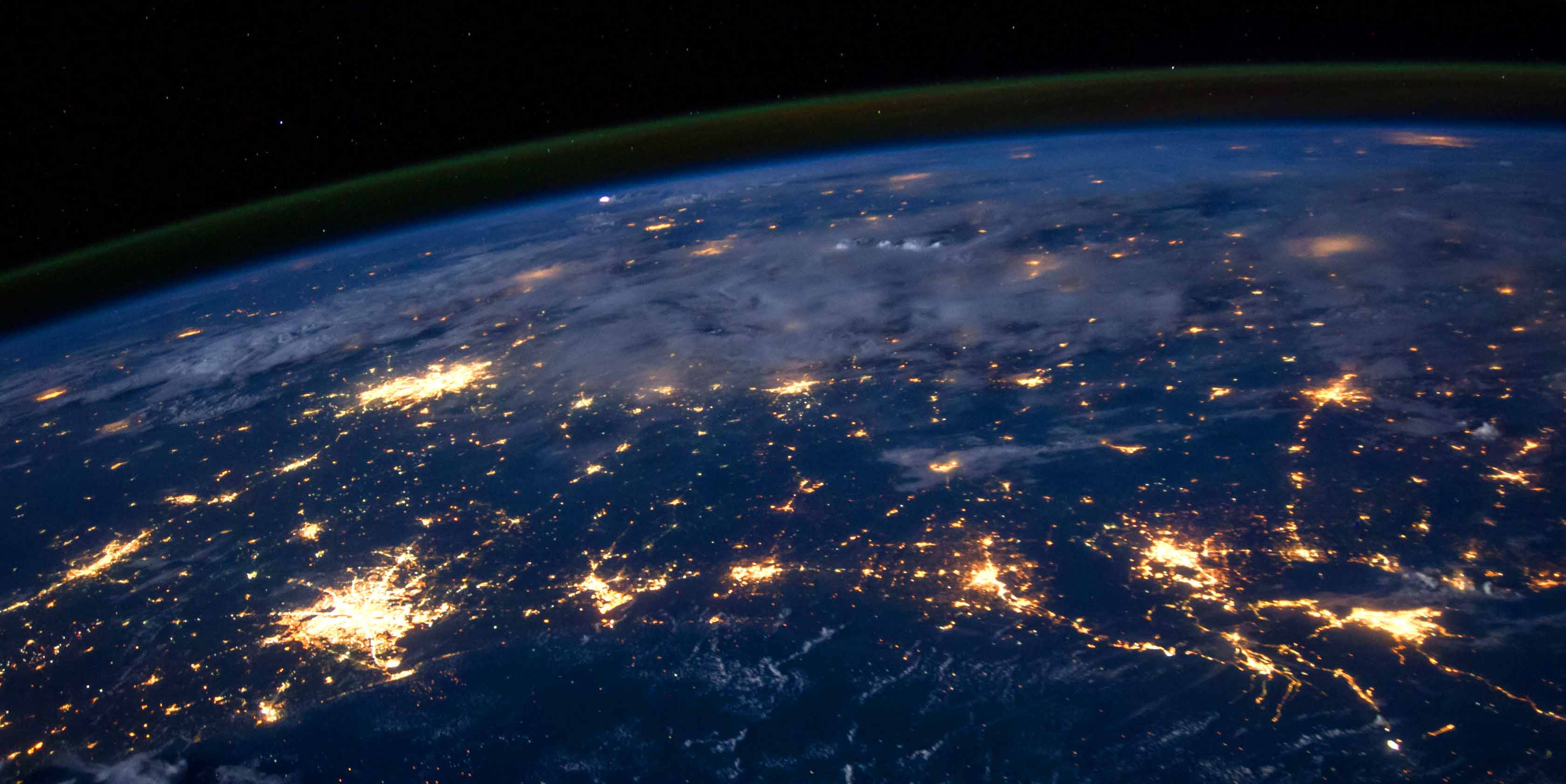 Think Global: Top 5 Benefits of an International Expansion